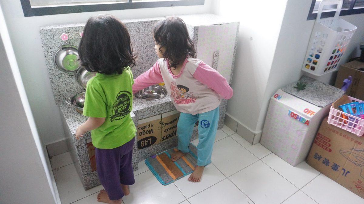 Seronoknya Anak Boleh Main Masak Dengan Dapur Mainan Sendiri Tak Kacau Dah Ibu Kan